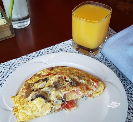 Omelete feita na hora - Prime Meridian Restaurant. Blog Viajar o Mundo. Viajaromundo.com