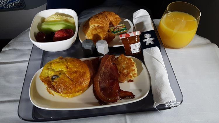 Café da manhã Delta One (voo Atlanta - Rio). Blog Viajar o Mundo.
