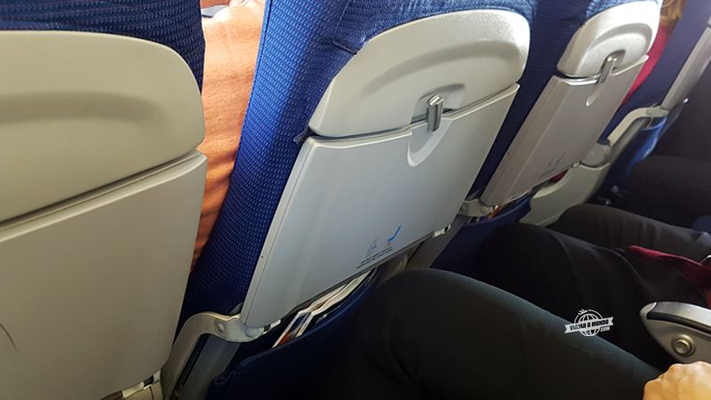 Espaço para as pernas - Classe Econômica do 737 da KLM. Blog Viajar o Mundo