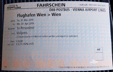Passagem de ida - VAL2 - Como ir do Aeroporto de Viena para a cidade de ônibus. Blog Viajar o Mundo
