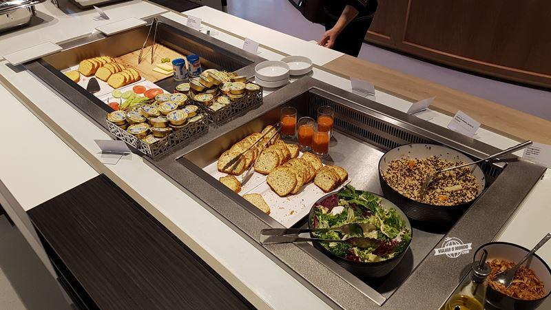 Saladas - Sala VIP Air France Terminal 2E Hall L. Blog Viajar o Mundo.