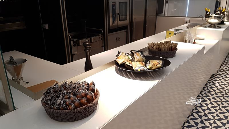Snacks - Sala VIP Air France Terminal 2E Hall L. Blog Viajar o Mundo.