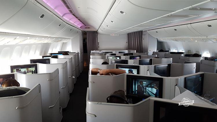 Classe Executiva do Boeing 77W da Air Canada. Blog Viajar o Mundo.