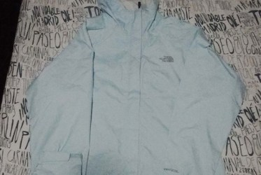 cortavientos north face lluvia imperamable
