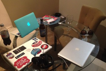Mac Book Pro Air hacer mochila para dar vuelta al mundo