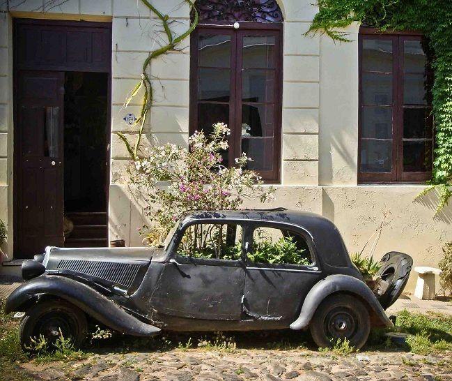 auto antiguo en Colonia Uruguay