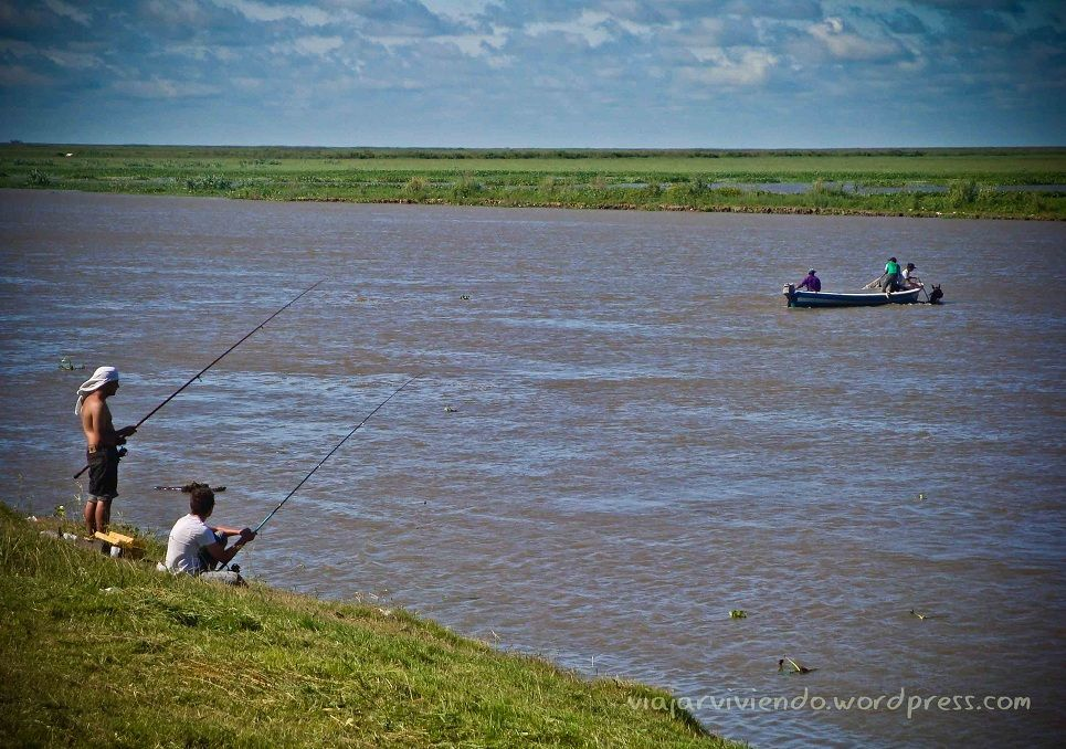 pescadores en Victoria Entre Rios