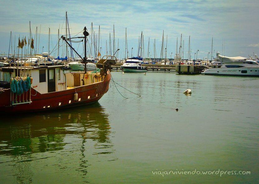 barcos en puerto de Punta del Este Uruguay