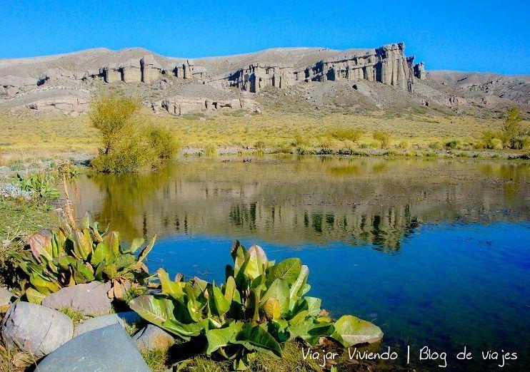 Castillos de Pincheira - paisaje y reflejo