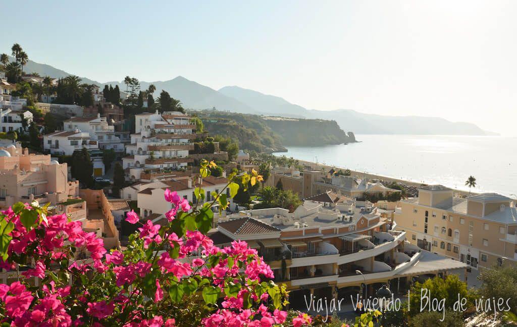 Nerja en Andalucía - recorrer el sur de España en auto