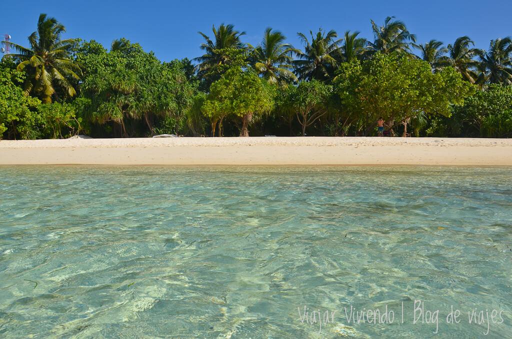 bikini beach maldivas rasdhoo