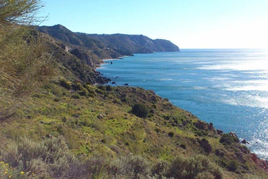 ruta-senderismo-malaga-acantilados-maro-cerro-gordo
