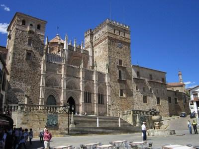 Vista exterior del monasterio de Guadalupe