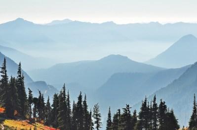 parque-nacional-de-las-grandes-montañas-humeantes