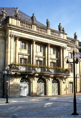 Exterior de la ópera de Bayreuth
