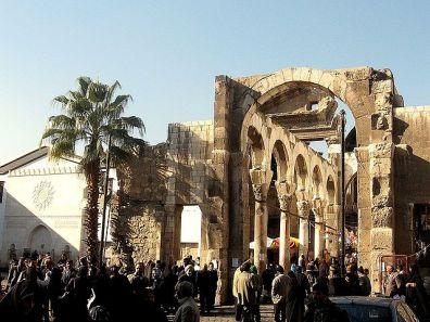 Ruinas del templo de Júpiter a la entrada del zoco de Al-Hamidiyah