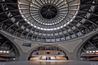 Interior de la cúpula del Centro del Centenario de Wroclaw.