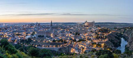 Vista de Toledo desde el meandro del río Tajo