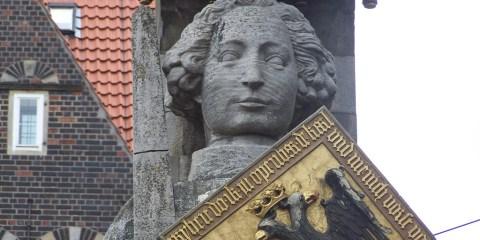 Ayuntamiento y estatua de Rolando en la plaza del mercado de Bremen