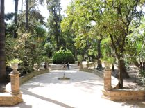 La última parada en Alcazar, antes de salir. Nos sentamos y contemplamos el parque.