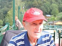 Opi con la gorra de Agrana, nuestro sponsor en Austria