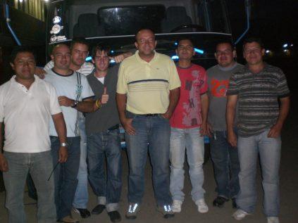 Con amigos camioneros colombianos de Corabasto