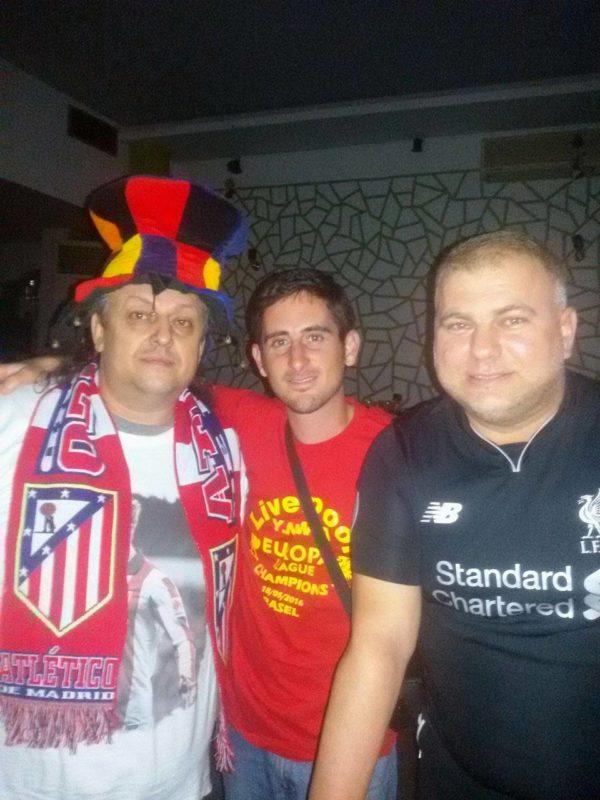 Noche de fútbol: Liverpool club de Fans