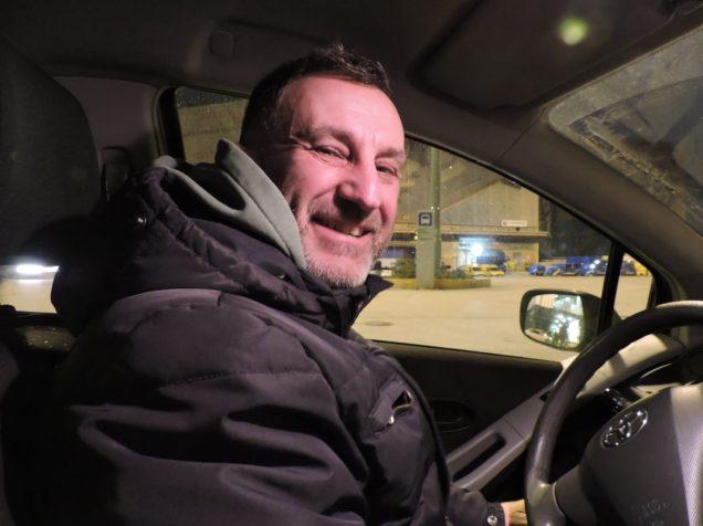 Mike, el conductor que me traslado en el puerto