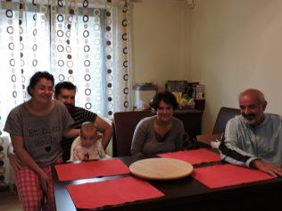 Con Irina y su familia, los primeros paso en Rumania