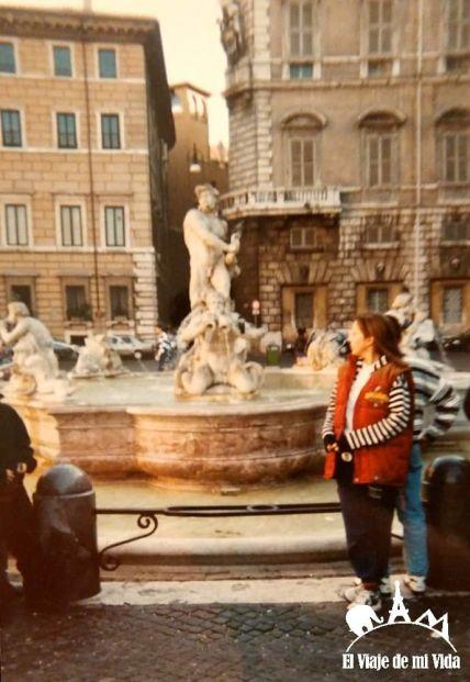 Fuente frente al Panteón