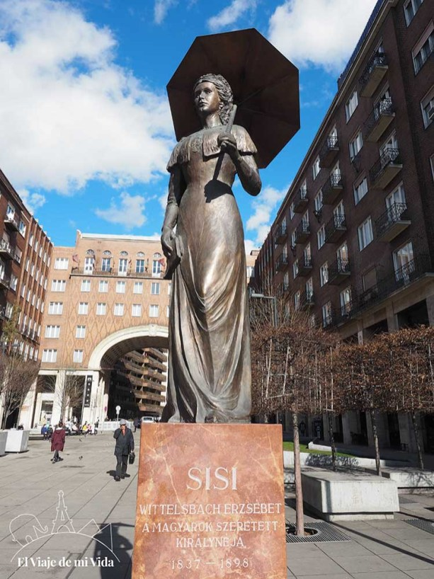 Estatua dedicada a Sissi