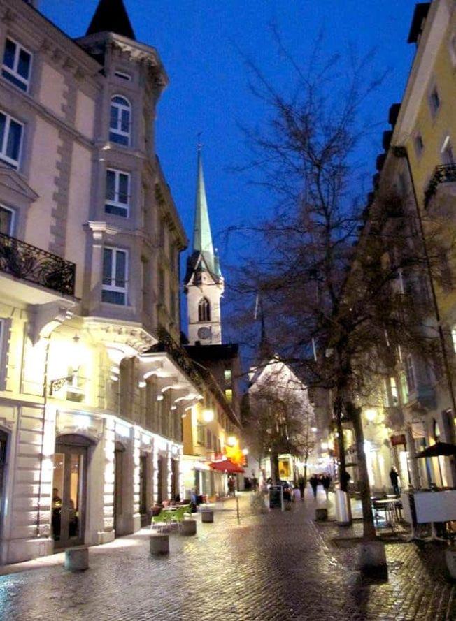 Anochecer Zúrich Suiza