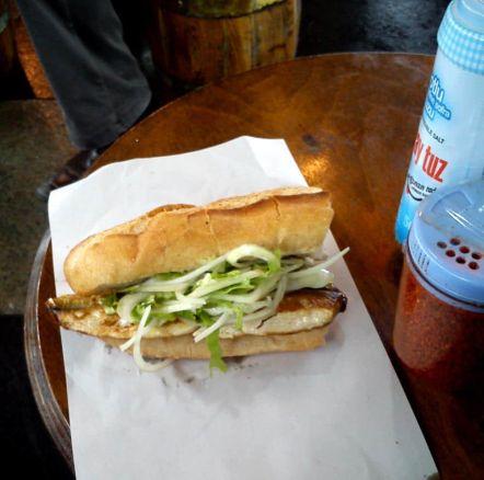 Balik Ekmek Bocadillo Caballa Estambul