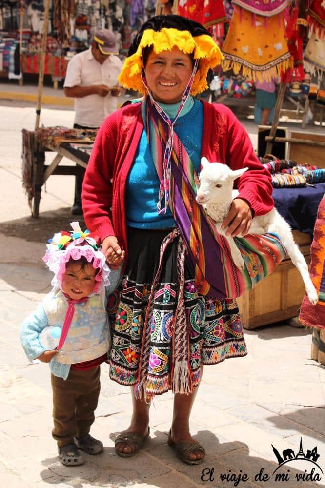 peruanos-turismo-peru