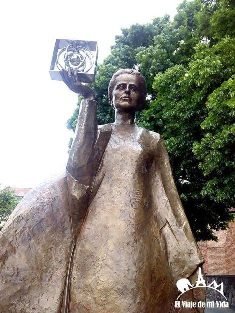 Estatua de Marie Curie
