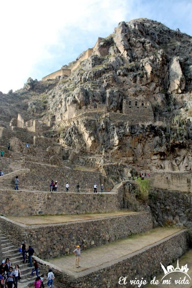 El pueblo de Ollataytambo, Perú