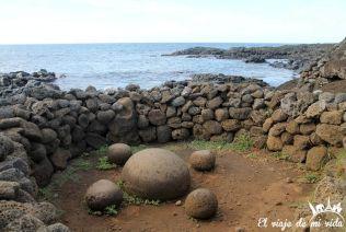 La misteriosa piedra de Te Pito Kura en la Isla de Pascua, Chile