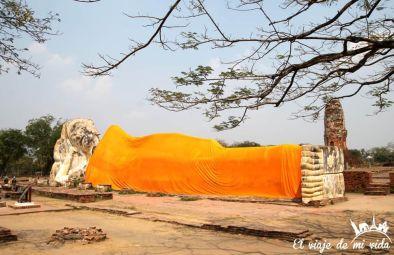 El buda reclinado de Wat Lokayasutharam, Tailandia