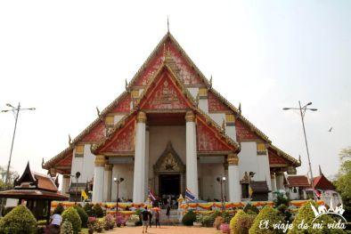 El templo Wihan Phra Mongkhon Bophit