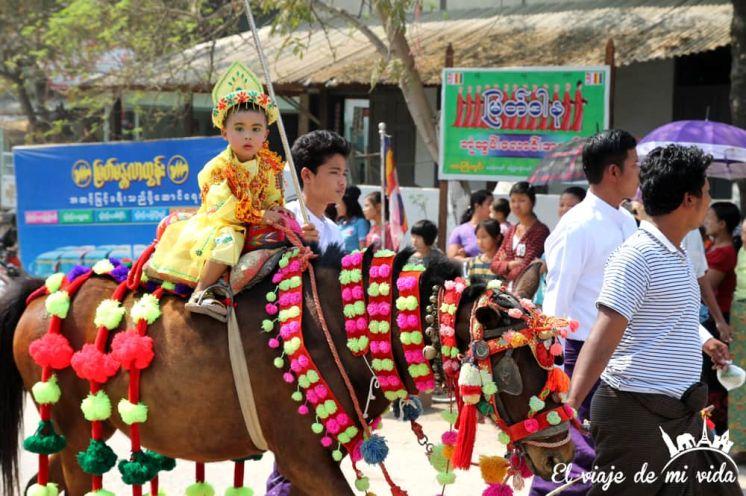 Celebraciones birmanas que son muy amor, jeje