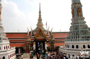 Hordas de turistas chinos en el gran palacio