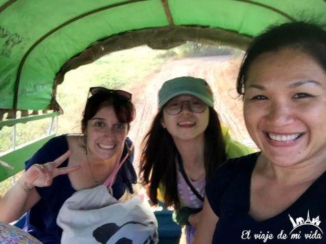 En carroza de caballos en Myanmar