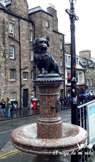 La estatua del perrito Bobby