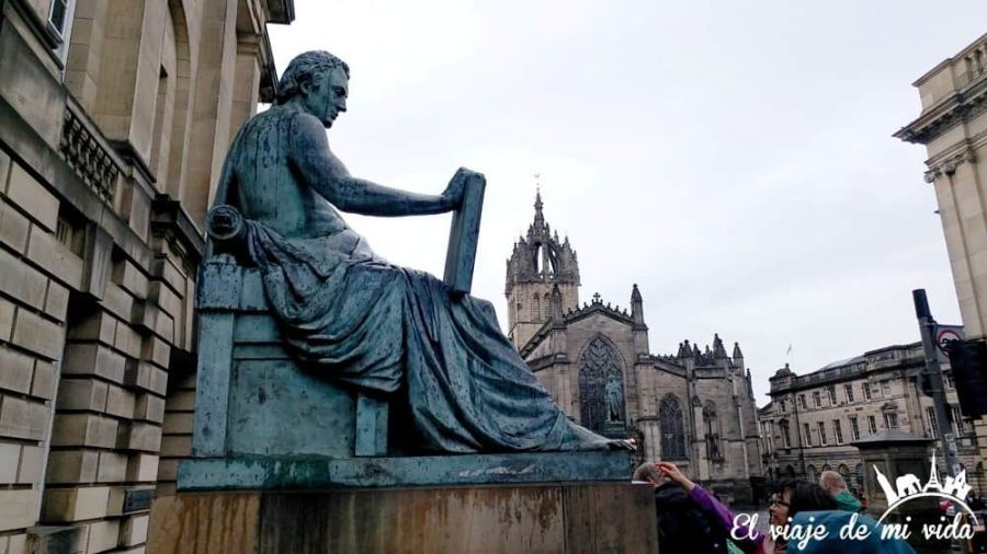 La estatua de Hume en la Royal Mile