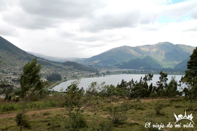 laguna-san-pablo-otavalo-ecuador