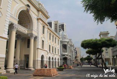 Edificios desde el Malecón 2000