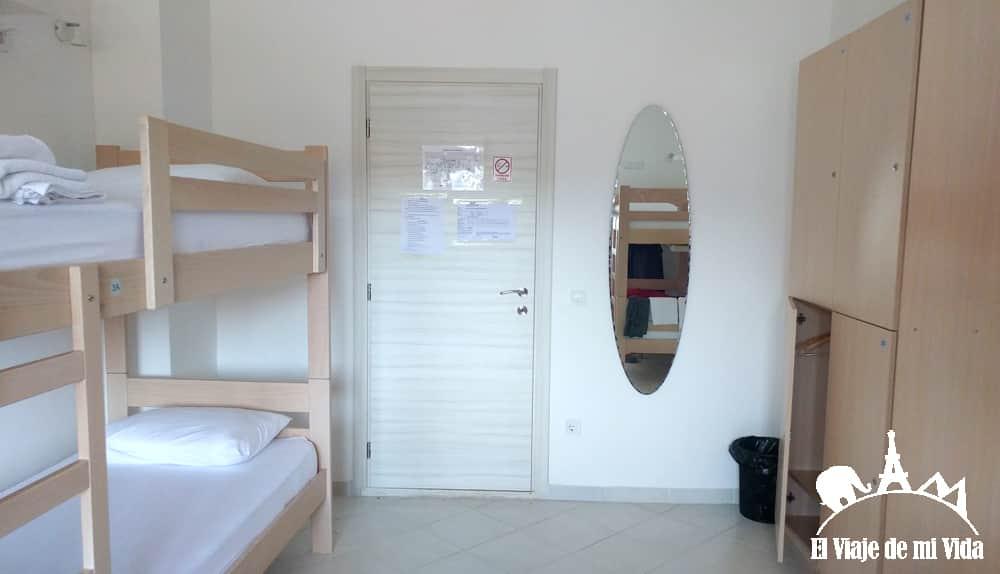 Habitaciones de hostels y sus taquillas
