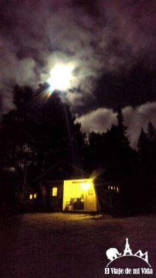 Luna espectacular en Laponia