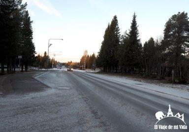Carretera que lleva al Ice Hotel