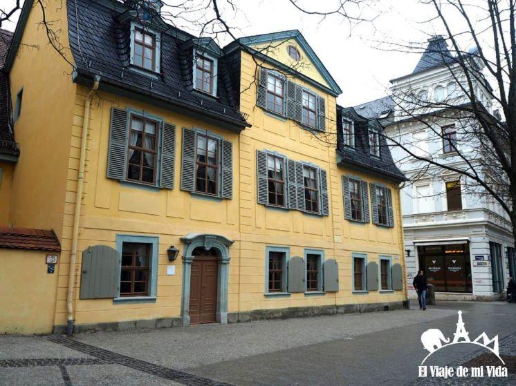 Fachada principal de la Casa de Schiller